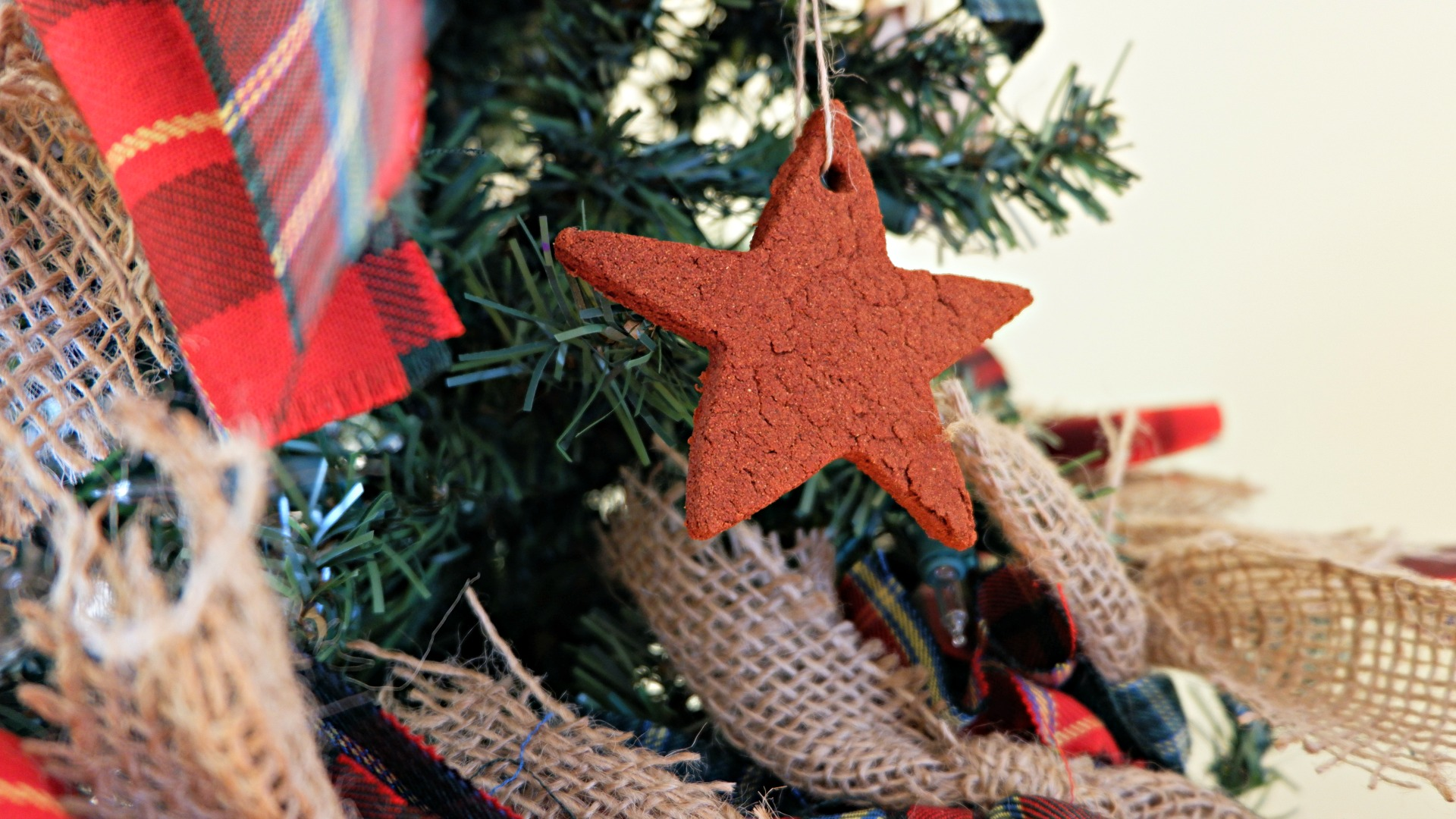 Scottish Pioneer Inspired Christmas Tree MyNBChristmasTree New Brunswick pickle planet cinnamon applesauce diy ornament